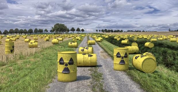 פסולת גרעינית, פמיניסטיות זועמות ותרחישים פרועים לעתידהאנושות